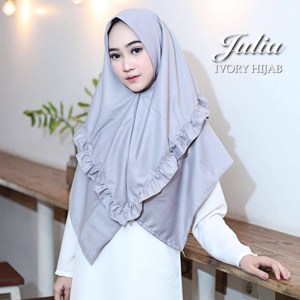julia by ivory abu